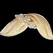 Mint Vintage Trifari Birthstone April Diamond Rhinestone Ribbon Brooch Pin