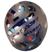 Laura Eby Etched Art Glass Egg Paperweight