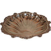 Large Shell Shaped Footed Bowl. E.P.C.A Silverplate. 20th Century.