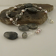 Handmade Beautiful Natural Smokey Quartz and Pinkish Grey Cultured Pearl Sterling Silver Neckl