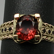 SALE Vintage 14kt Spinel & Onyx Ring