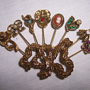 Goldette 8 Stick Pin Brooch in Gold tone