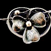 Pretty French art nouveau 800-900 silver brooch Dealer price $50