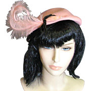 Fashionable Vintage Pink Straw Hat With Pink Feathers