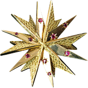 18 Karat Gold French Retro Fur Clip with Rubies