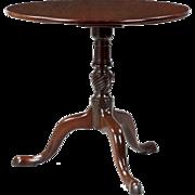 English Georgian Antique Tea Table in Mahogany, 18th Century c. 1780