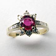 Beautiful Vintage 18K Yellow Gold Natural Ruby & Diamond Ring