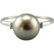 Neutral Elegance: Dove Grey Cultured Pearl Ring with Diamond Accents