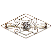 Antique Filigree Brooch with Diamond and Pearls