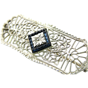 Sapphire Center Art Deco White Gold Lace Filigree Pin