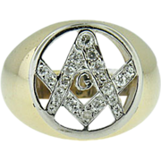 Vintage 14k yellow gold & diamond Masonic ring.