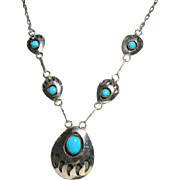 """Vintage Navajo Sterling Silver Bear Claw 20""""  Necklace with Turquoise STONES"""