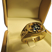 Vintage Blue Sapphire Solitaire Ring in 14 Karat Gold