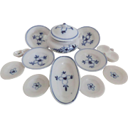 Onion Pattern Miniature China Wares For Doll House c1900