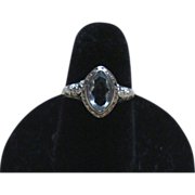 Vintage 18kt White Gold Ring with Marquis setting