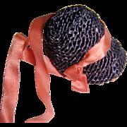 Small doll bonnet in hat box