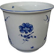 Excellent French Limoges Large Planter Cachepot Jardiniere White Porcelain Blue Floral Decor