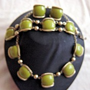 Vintage 3 Piece Set Of Green And Gold Tone Jewelry