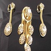 "SALE Kramer Circa 1950's ""Golden Look"" Rhinestone Mesh Dangle Brooch & Earrings"