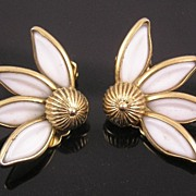 SALE Crown Trifari Molded Glass Daisy Earrings