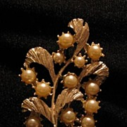 Faux Pearl Pin With Leaves