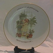Holly Hobbie 1975 Mother's Day Plate