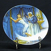 """Knowles Collector Plate Titled, """"Mammy Lacing Scarlett"""""""