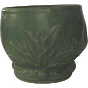 McCoy Unmarked Leaves And Berry Decorated Jardiniere