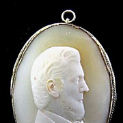 FASCINATING Portrait Cameo Pendant of a Gentleman, (Abraham Lincoln?) c.1865!