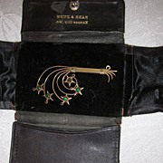 Vintage 14K Yellow Gold and Emerald Brooch in Leather Case