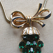 REDUCED REDUCED! Awesome 1950's Trifari Necklace Dangling Green Rhinestone Pendent, Snake Like