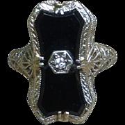 SALE 14K Gold Art Deco Onyx And Diamond Filigree Cocktail Ring