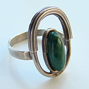Old Modernist 925 Sterling Silver Ring with Green Stone Size 6