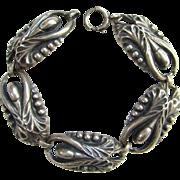 Sterling Silver Arts and Crafts Link Bracelet Stylized Floral Design Vintage Jewelry