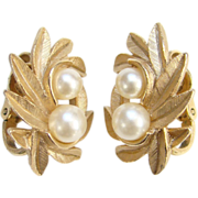 SOLD 1971 Avon Evening Creation Clip Earrings Goldtone Pearls Signed