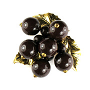 Brown Wooden Bead Berries and Leaves Clip