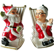 Santa Salt Pepper Shakers / Mr and Mrs Santa in Rocking Chairs / Collectible Christmas Shakers