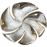 Hobe Pinwheel Pin / Designer Pin / Vintage Pin / Fashion Jewelry / Collectible Brooch