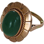 18K gold ring with  green jadeite cabochon size 9.5