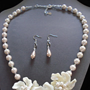 SALE Shell Floral Necklace and Earrings
