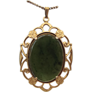 REDUCED Lovely Vintage 1960s Jade Pendant Necklace!