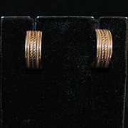SALE Pair of 14K Gold Earrings Made By Artcarved