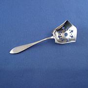 Lunt Jefferson Plain Sterling Bon Bon Nut Spoon Scoop