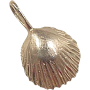 Vintage 14k Gold Shell Charm