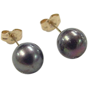 Vintage 14k Gold Black Pearl Stud Earrings