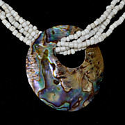 Southwestern Style Shell Bead Necklace Wood Clasp