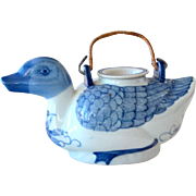 Duck Teapot Chinese Blue and White