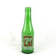SOLD Pre 1940 Eight Bubble 7Up Bottle From Seven-Up Iowa Co.