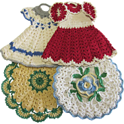 Group of 4 Vintage Crocheted Pot Holders 2 Dresses