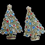 SALE BG147 ART Signed Pair of Christmas Tree Rhinestone Enamel Brooch Pin Vintage Set